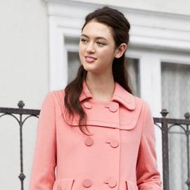 優しげニットと新顔コートで雰囲気美人な冬スタイル